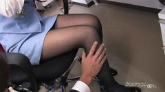 美脚のOLが黒パンストとミニスカでセクシーな制服姿のまま犯される!