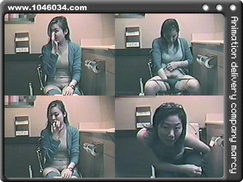 女子トイレ盗撮 ナプキン交換映像もありますよ☆
